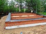 Поднятие уровня фундамента кирпичом с последующей гидроизоляцией