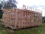 Почти построили первый этаж дома