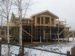Продолжается постройка каркасного дома