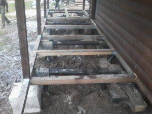 Усиление фундамента винтовыми сваями в деревне Орлово